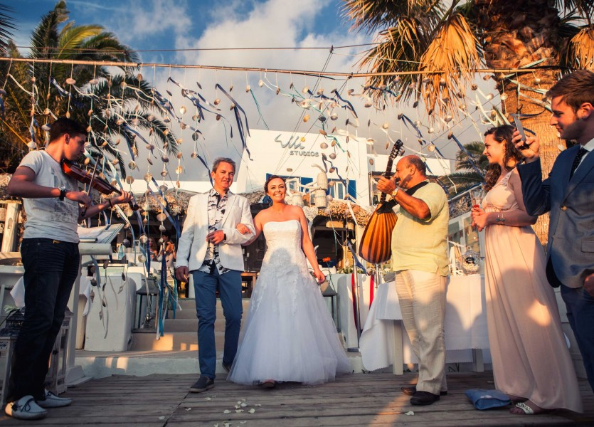 Greek Live Music Players in Naxos Wedding to accompany the bride
