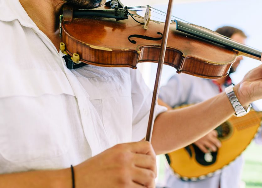 musicians in mykonos