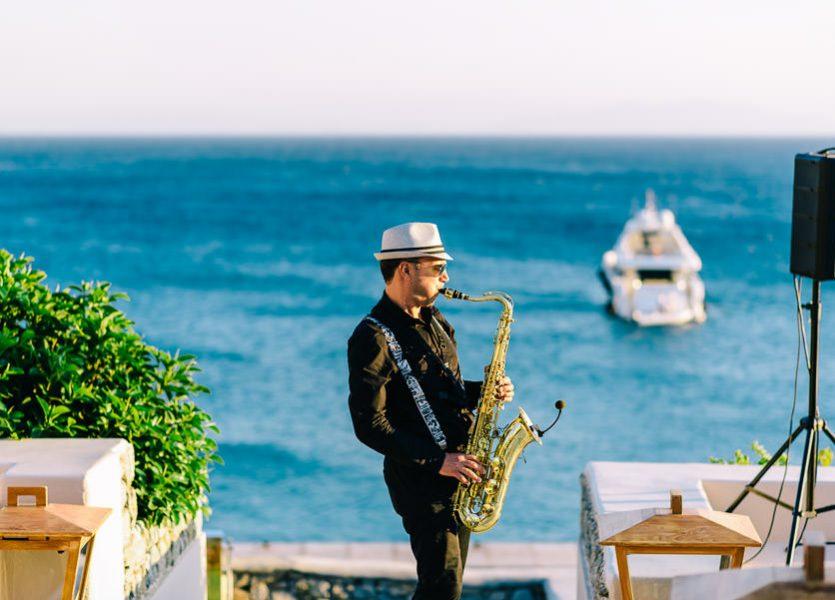 saxophonist in mykonos